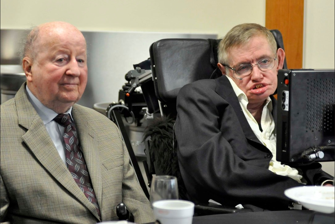 George Mitchell and Stephen Hawking during a Texas visit.