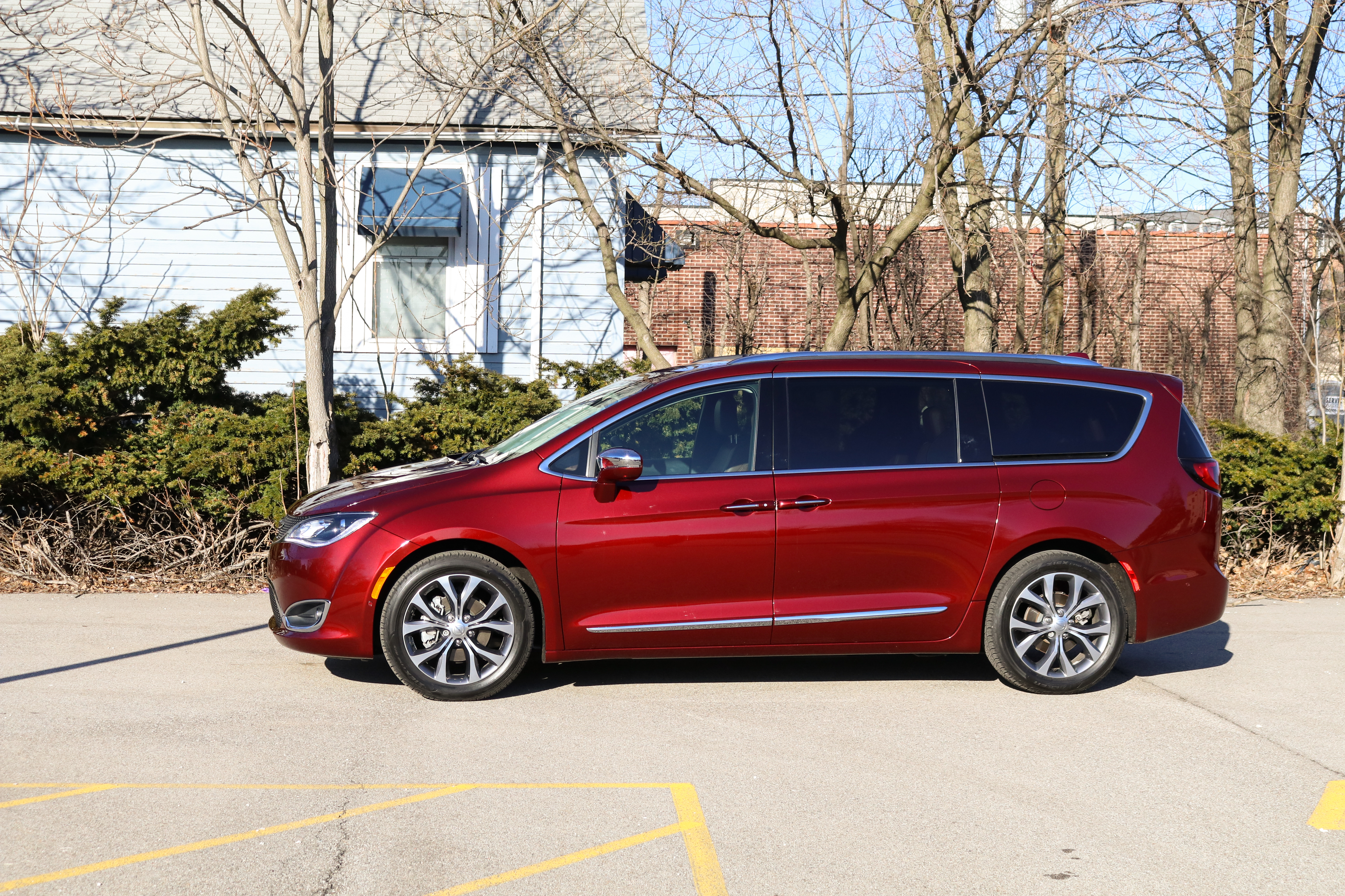Chrysler Pacifica Van >> Review Step Aside Minivan Haters The Chrysler Pacifica Is