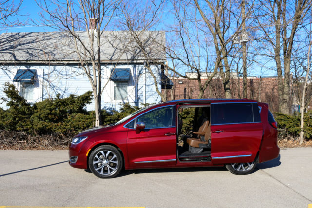 Pacifica Hybrid Forum >> Review Step Aside Minivan Haters The Chrysler Pacifica Is Awesome