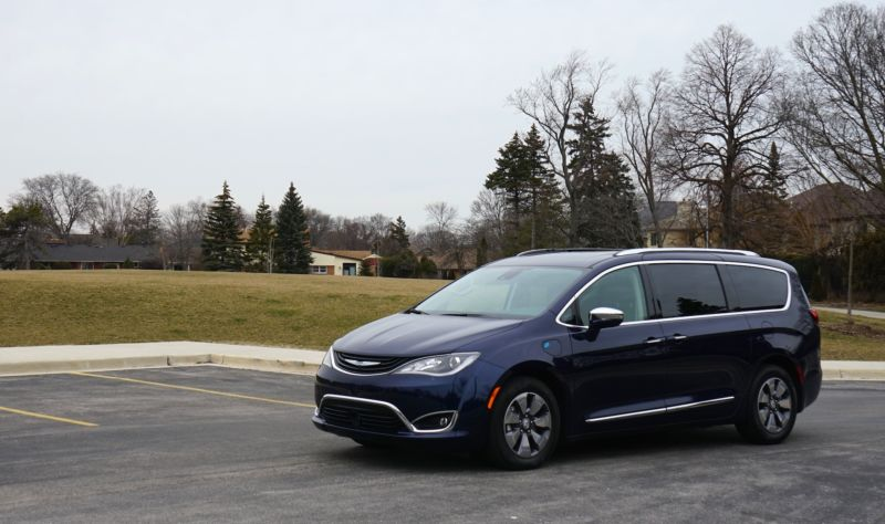 The 2018 Chrysler Pacifica Hybrid