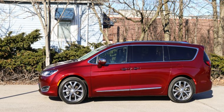 Review Step Aside Minivan Rs The Chrysler Pacifica Is Awesome Ars Technica