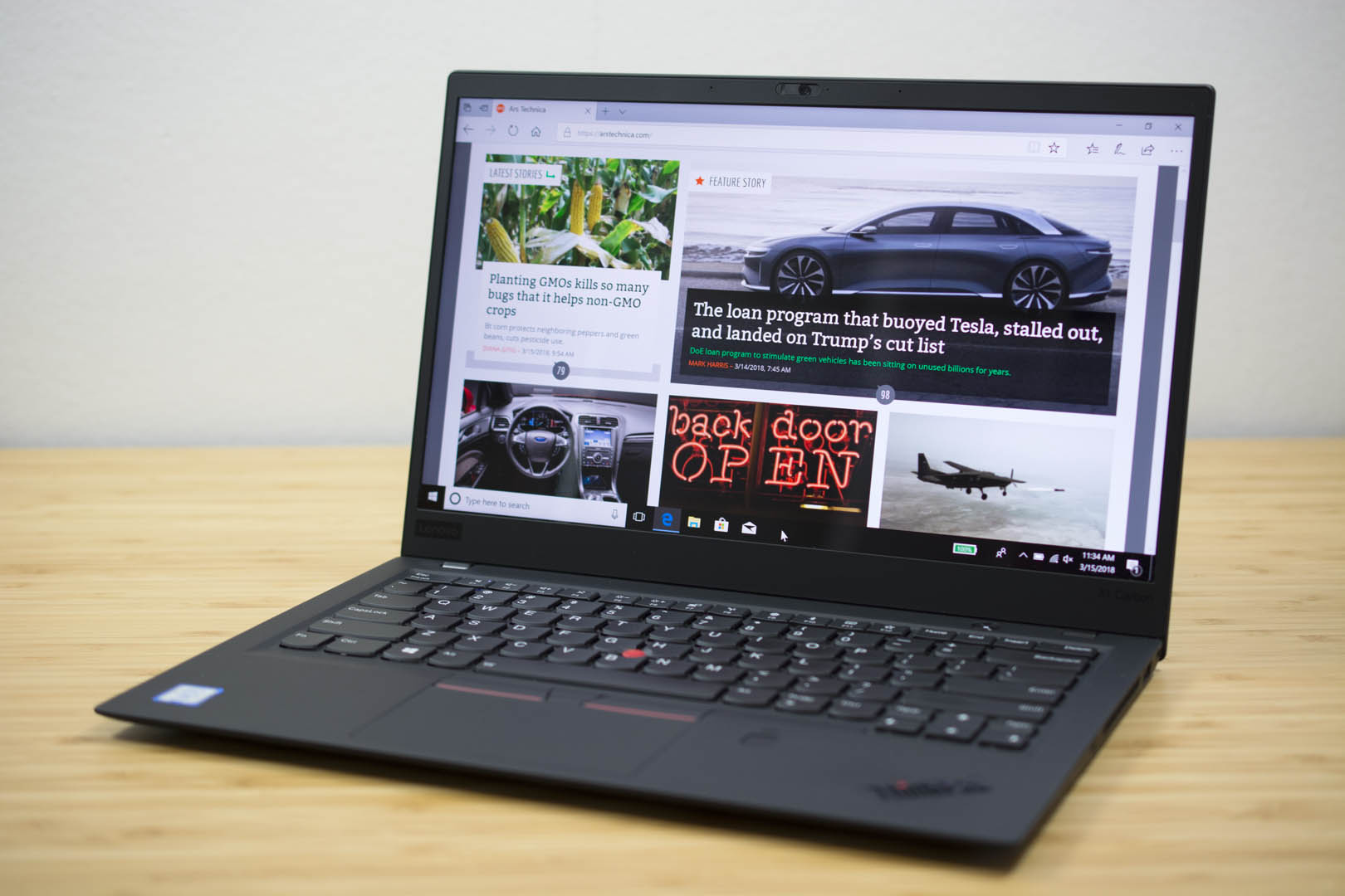 ThinkPad X1 Carbon 2018 review: The only laptop in a