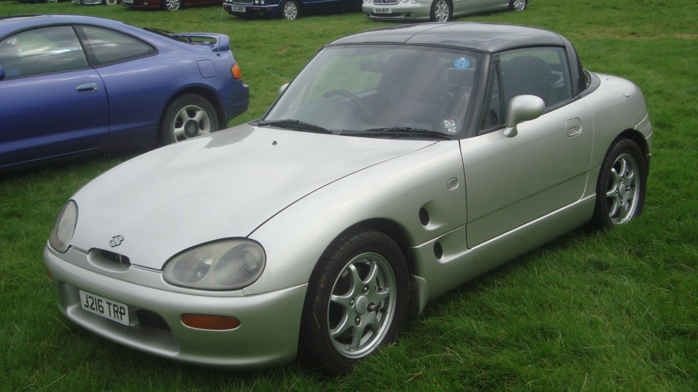 "Suzuki contributed the <a href=""https://en.wikipedia.org/wiki/Suzuki_Cappuccino"">Cappuccino</a>."
