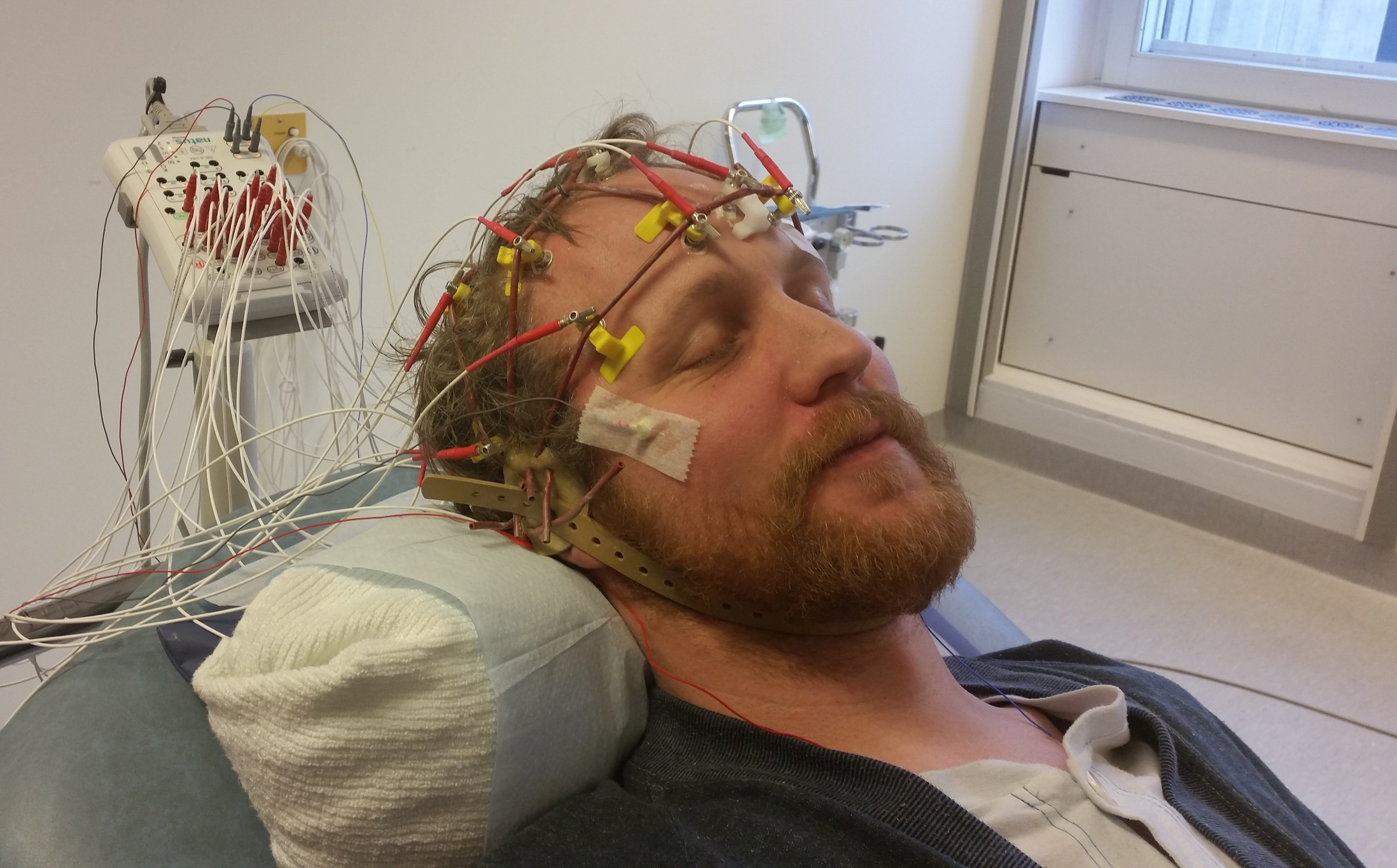 hacking your brain scan security bugs in eeg software open