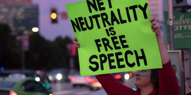 California Senate defies AT&T, votes for strict net neutrality rules – California may impose tougher net neutrality rules than the FCC did.