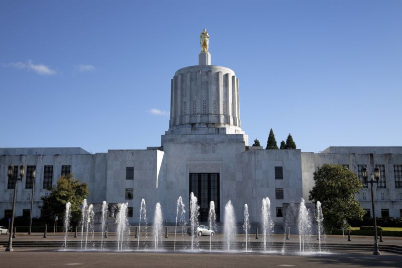 Oregon finalizes net neutrality law despite likelihood that ISPs will sue