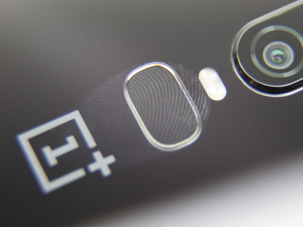 The fingerprint sensor is nowhere near the size of a fingerprint. Which half of your fingertip do you want to scan?