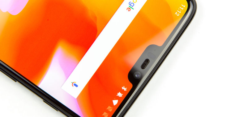 photo image Hands-on with the OnePlus 6: An all-glass, notched smartphone for $529