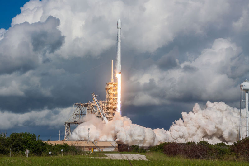 SpaceX readies Falcon 9 for early morning launch