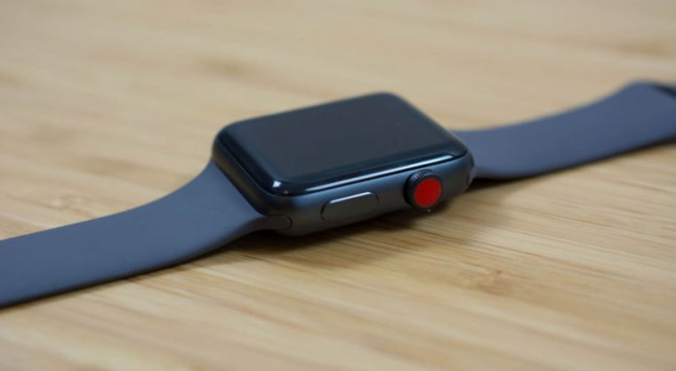 Looks Like The Next Apple Watch Could Have Physical Buttons