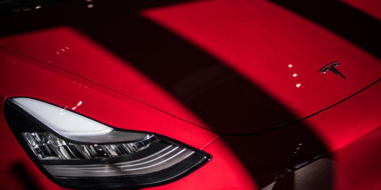 Tesla pulls Full Self-Driving update after sudden braking spooks drivers