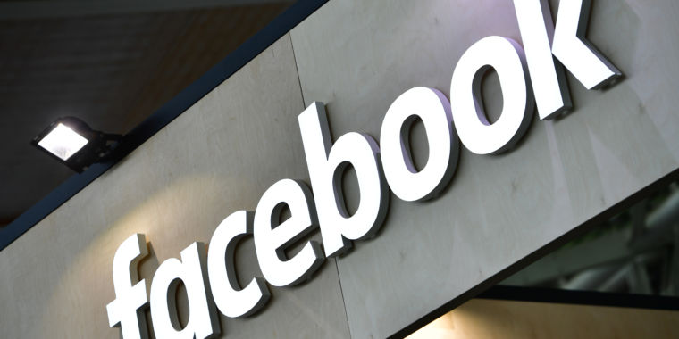 In nearly 500 pages of answers, Facebook stonewalls some senators' questions thumbnail