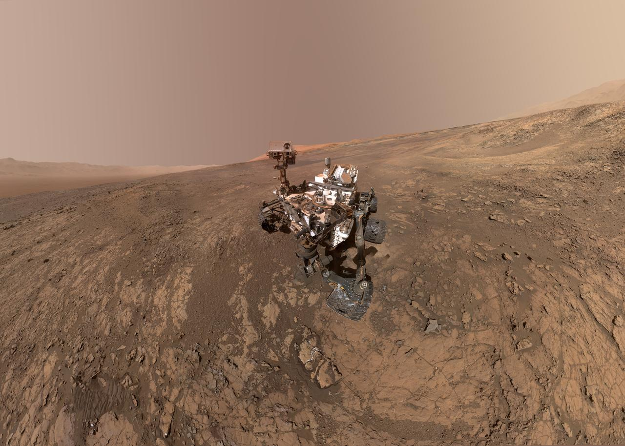 finally scientists have found intriguing organic molecules on mars