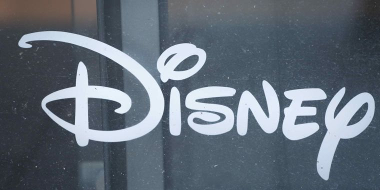 Sorry, Comcast: Fox and Disney sign new merger deal, rejecting Comcast bid