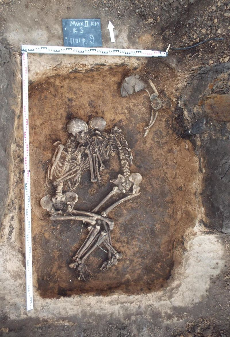 Image of excavated plague burial.