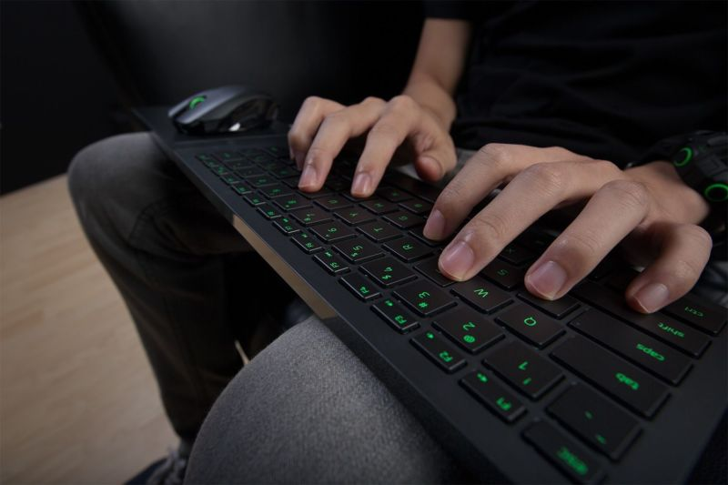 Lap-based keyboard-and-mouse solutions like the Razer Turret will soon be fully compatible with the Xbox One.