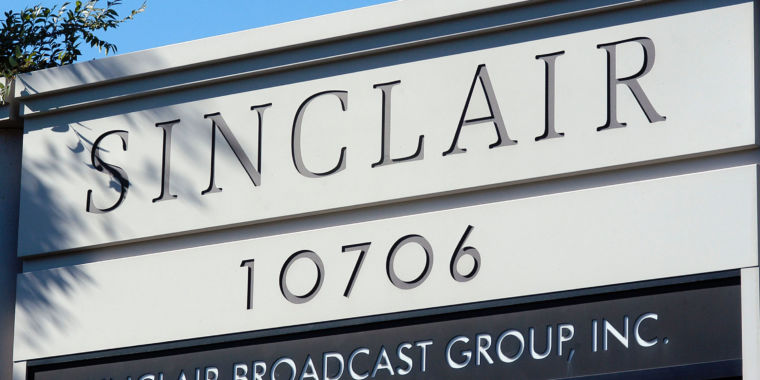 FCC votes against Sinclair/Tribune merger,...