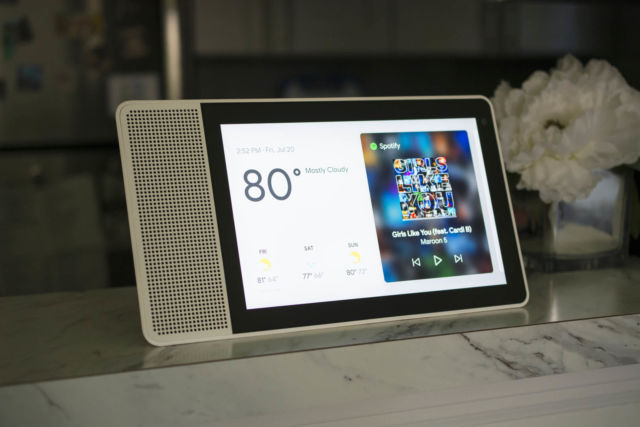 Lenovo Smart Display review: The Google Assistant now has a face