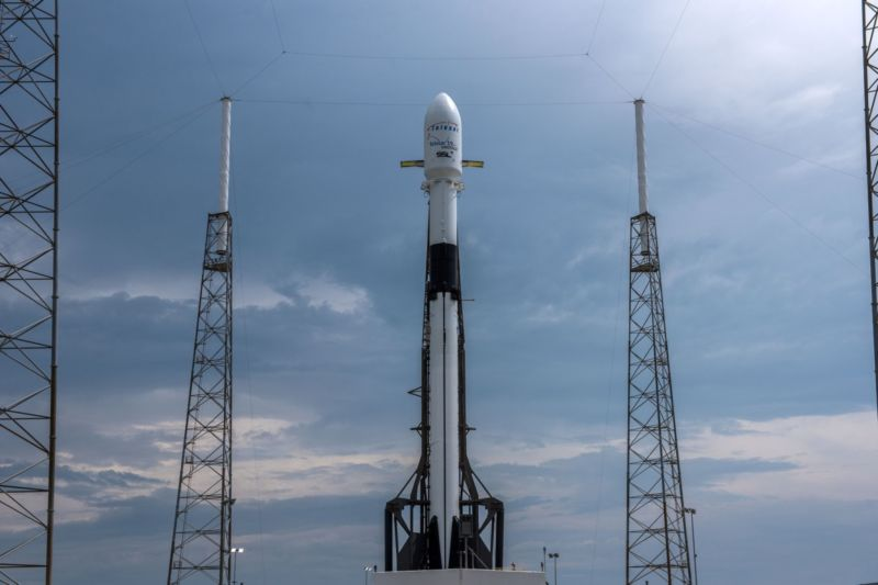 Falcon 9 lifts off with Telstar 19 VANTAGE