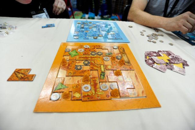 <em>Scarabya</em> is a quick-playing spatial puzzle.