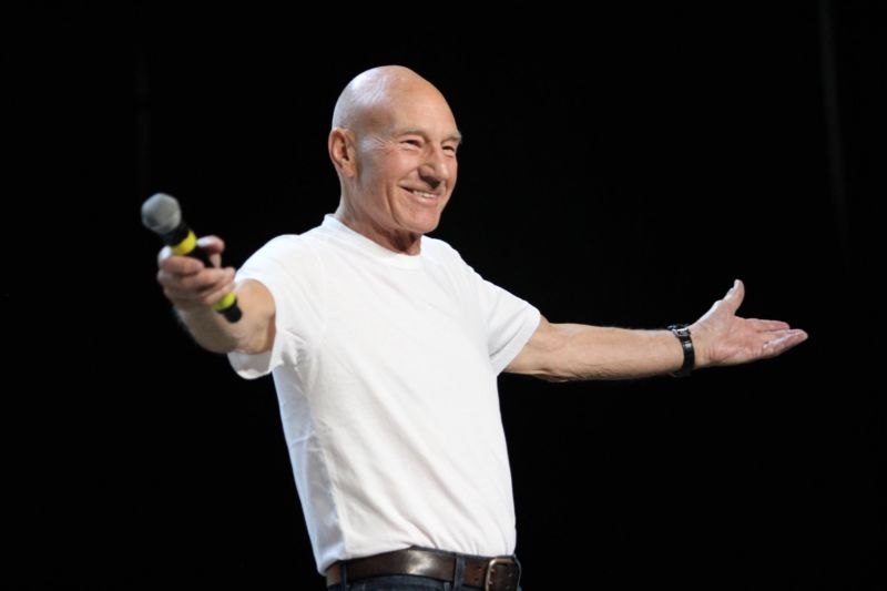 Sir Patrick Stewart appeared at Saturday's Las Vegas Star Trek Convention to announce his return to the role of Jean-Luc Picard.