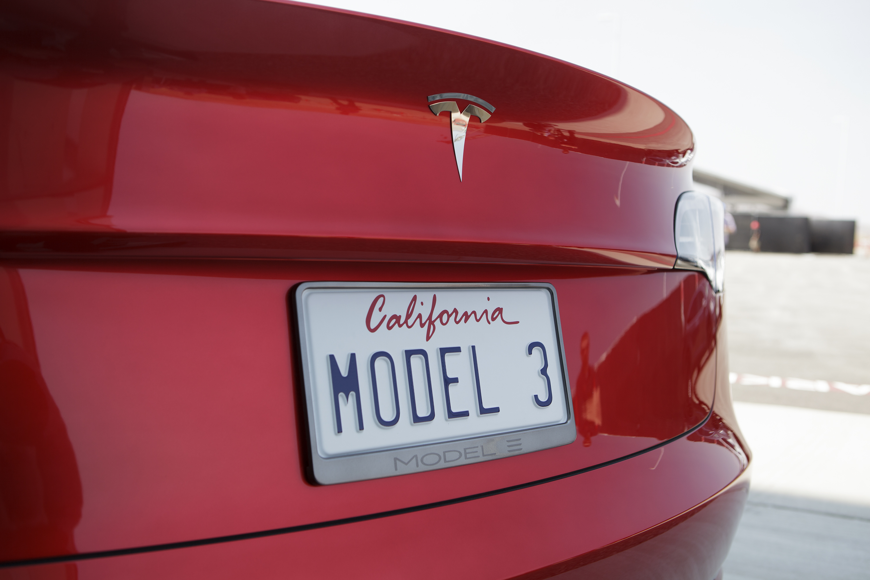 Tesla Sets Monday Deadline For 2018 Delivery And 7 500 Tax Credit Enlarge