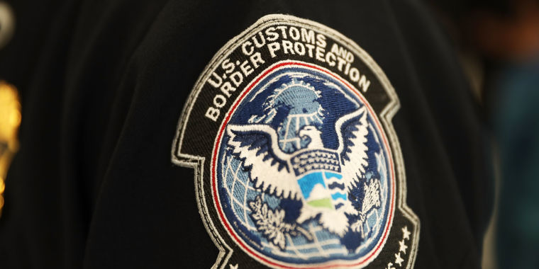 Woman: My iPhone was seized at border, then imaged—feds must now delete data
