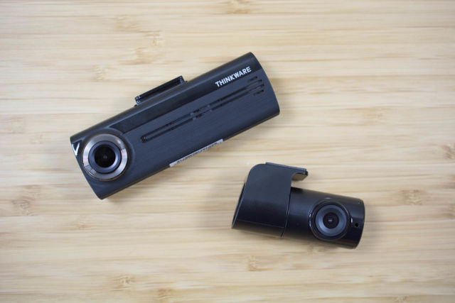 Thinkware F200 main and rear cameras.