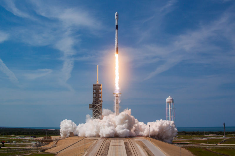SpaceX official says company about to launch a Falcon 9 ...