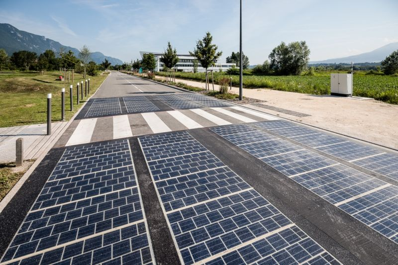 Solar Panels Replaced Tarmac On A Motorway Here Are The