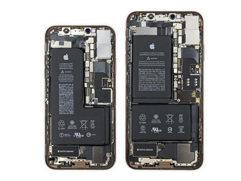 Batteries in the iPhone XS and XS Max