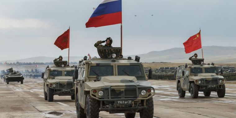 photo image Russia, China become battle buddies at Vostok 2018