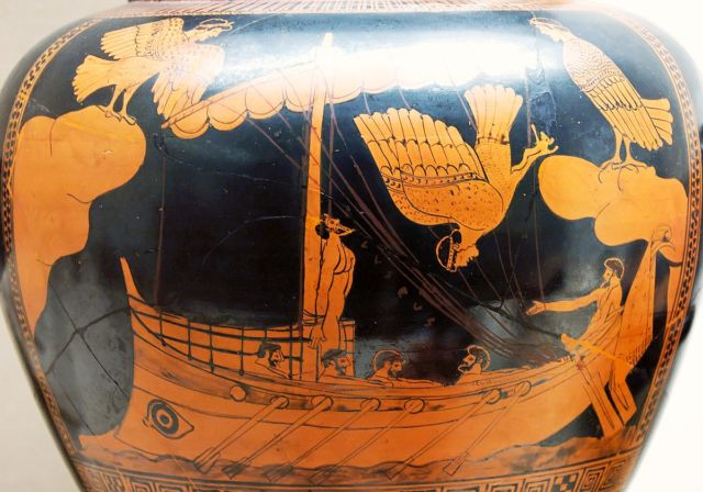 The ship on this vase, painted around 480 BCE, bears a jarring (sorry) resemblance to a shipwreck from the same period.
