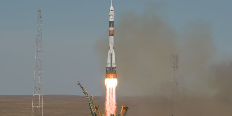 photo image A Soyuz crew makes an emergency landing after rocket fails