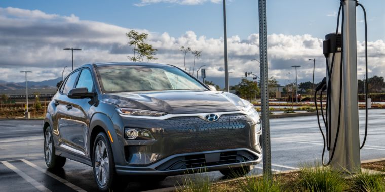 The New 2019 Hyundai Kona Ev Is A Clever Little Electric Crossover Ars Technica