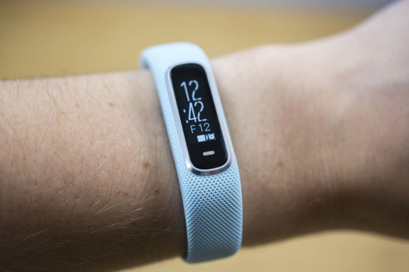 Garmin Vivosmart 4 review: An affordable band for easy