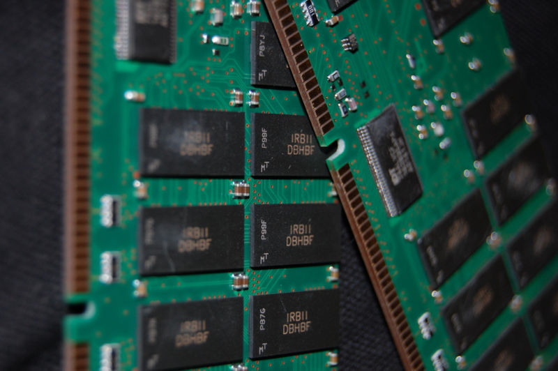 Image of CMOS RAM chips.