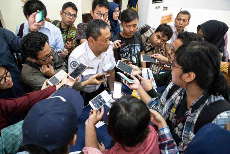 Indonesia aircrash: Pilots tried 26 times to save doomed jet from stalling