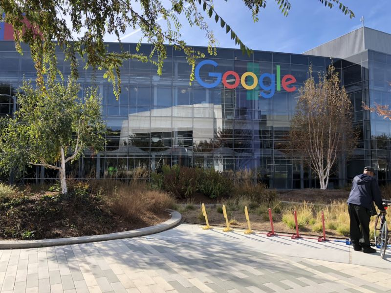 Google Study to Address Wage Gap Finds Company Is Underpaying Men