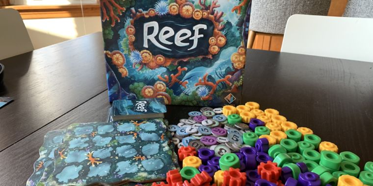 Abstract board games are all the rage—and Reef is the year's best