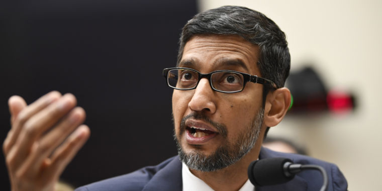 Google pledges not to make custom software for oil and gas extraction