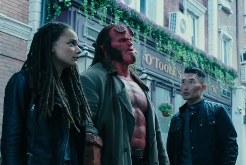 The unlikely allies Alice Monaghan (Sasha Lane), Hellboy (David Harbor) and Major Ben Daimio (Daniel Day Kim) have to band together to defeat a wicked sorceress who wants to wipe out humanity.