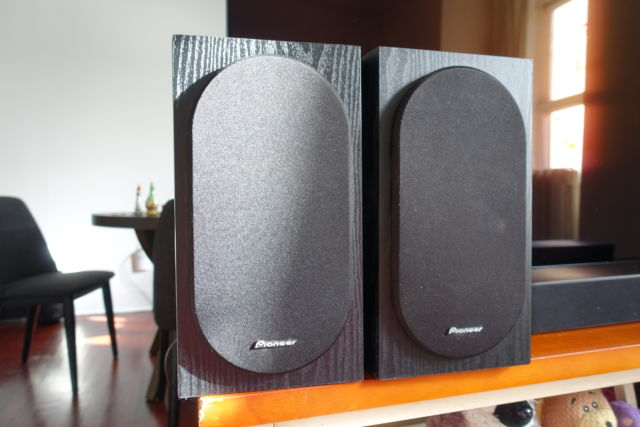 The Pioneer SP-BS22-LR are more complicated to use than modern Bluetooth and smart speakers, but they can sound much better.
