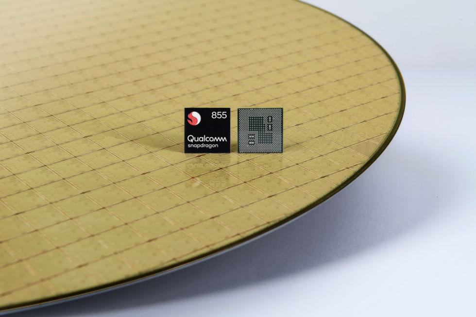 snapdragon-855-mobile-platform-chip-on-w
