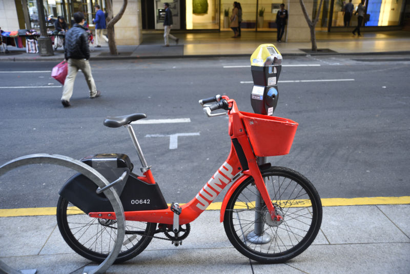 Uber wants bicycles and scooters that can drive themselves to recharge