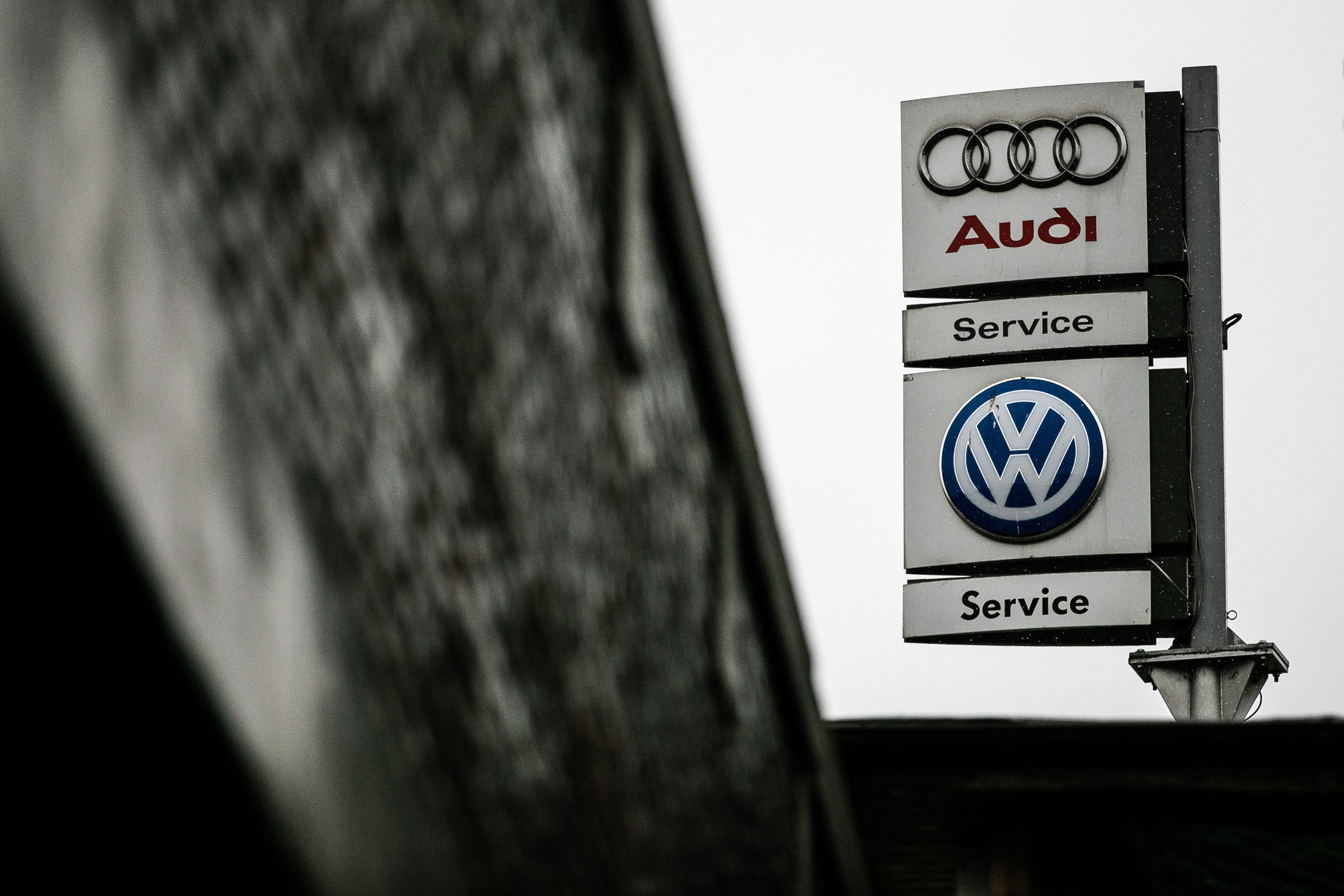 Kekurangan Audi Volkswagen Harga