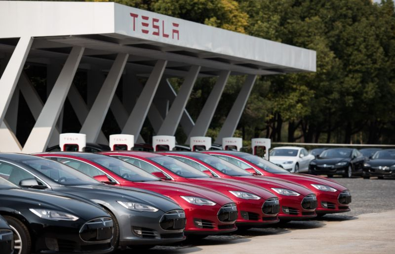 Tesla CFO leaves as automaker promises profits and cheaper cars