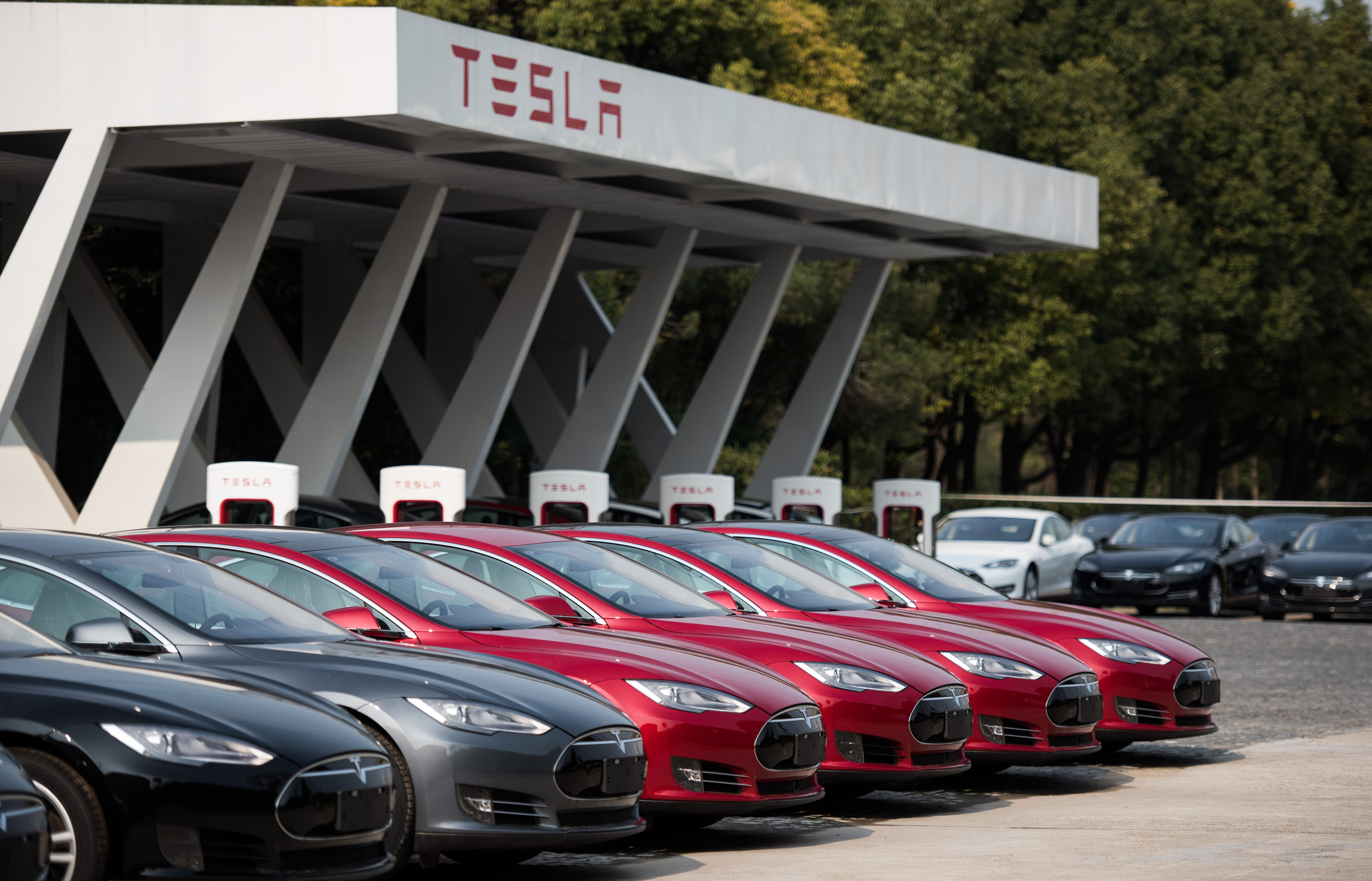 Tesla Still In The Black More Cars Delivered Smaller Profit Than Last Quarter Ars Technica