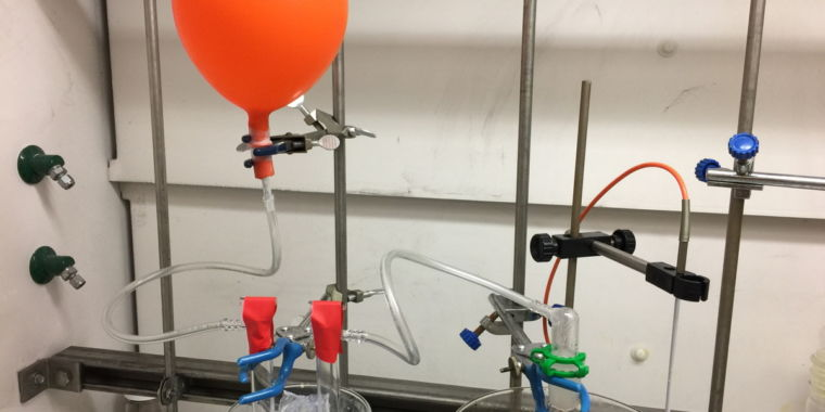 Co2 being released by mild heating of the big bicarbonate solid credit neil j. williams and erick holguin 760x380