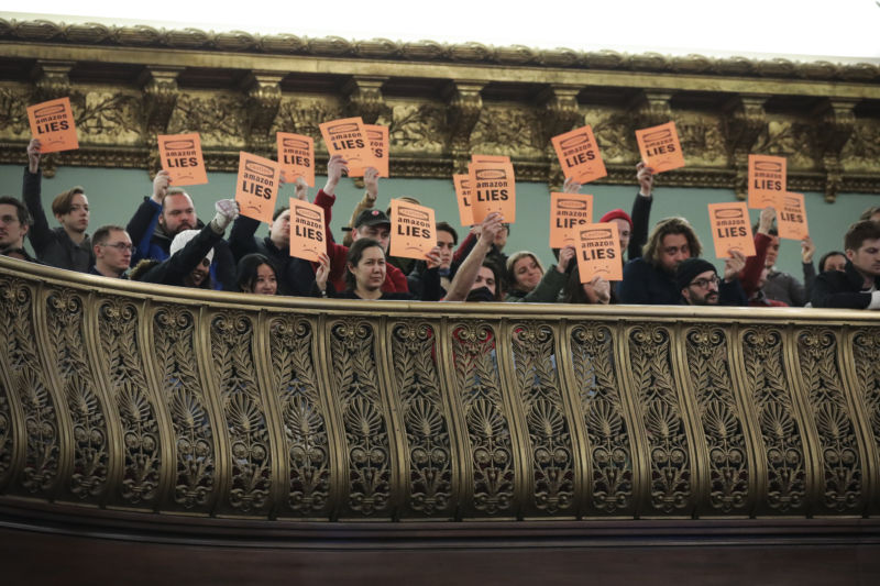 Protestors at New York City Hall on January 30, 2019. (Photo by Drew Angerer/Getty Images)